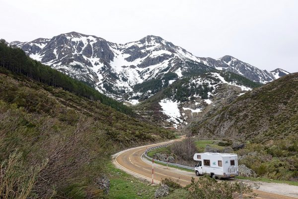 Motorhome by Mountains - Chuck and Sandi